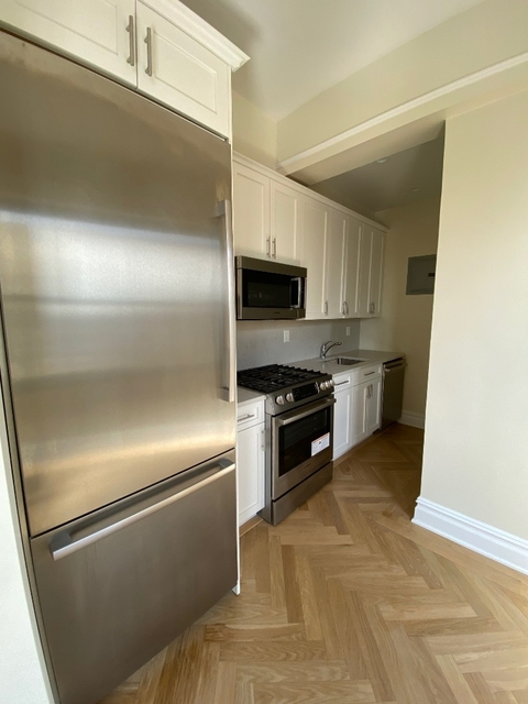 Studio, East Village Rental in NYC for $3,575 - Photo 2