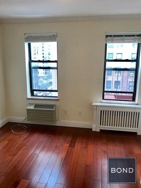 2 Bedrooms, Sutton Place Rental in NYC for $3,170 - Photo 2