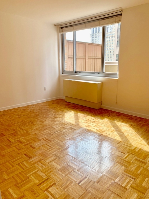 2 Bedrooms, Civic Center Rental in NYC for $6,900 - Photo 2