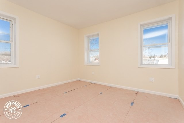 3 Bedrooms, Cypress Hills Rental in NYC for $2,300 - Photo 2