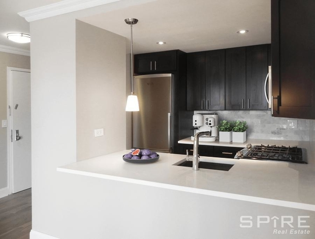 2 Bedrooms, Tribeca Rental in NYC for $5,295 - Photo 2