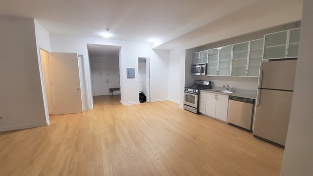 Studio, Financial District Rental in NYC for $2,919 - Photo 2