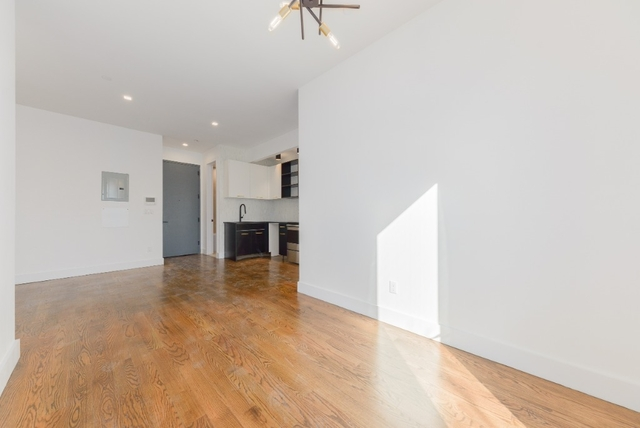 3 Bedrooms, East Williamsburg Rental in NYC for $4,950 - Photo 2
