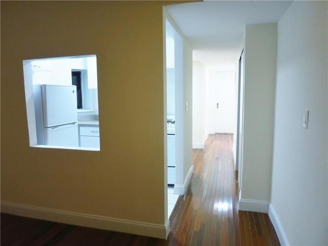 Studio, Yorkville Rental in NYC for $1,950 - Photo 2