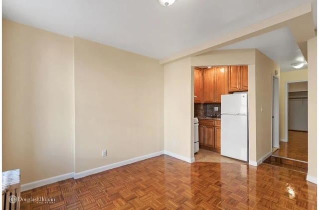 1 Bedroom, Hell's Kitchen Rental in NYC for $1,788 - Photo 2