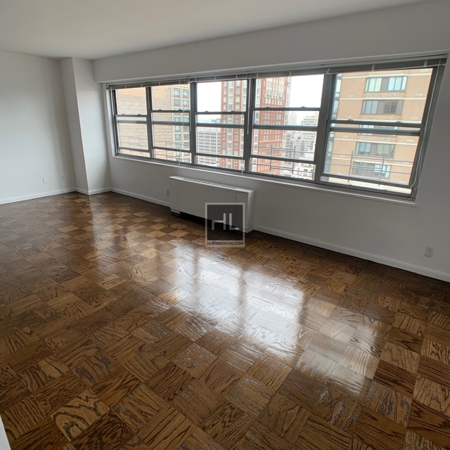 2 Bedrooms, Upper East Side Rental in NYC for $7,200 - Photo 2