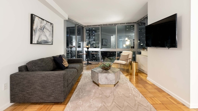 Studio, Hell's Kitchen Rental in NYC for $2,411 - Photo 1
