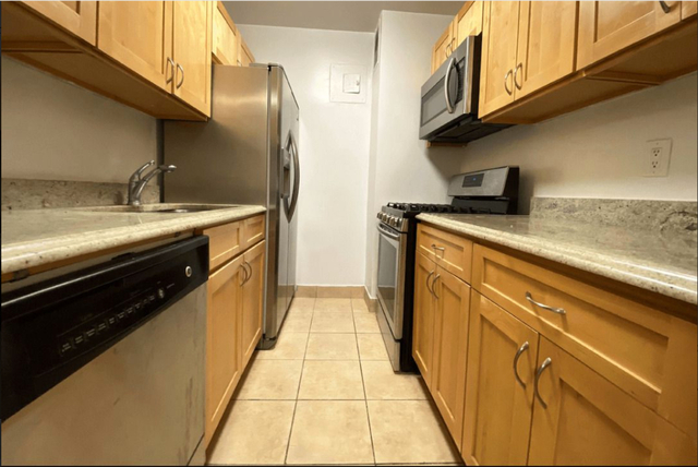 2 Bedrooms, Turtle Bay Rental in NYC for $4,015 - Photo 1