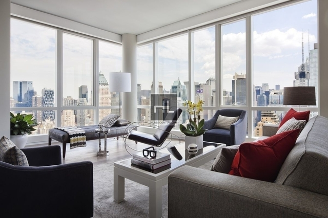 3 Bedrooms, Hell's Kitchen Rental in NYC for $9,905 - Photo 2