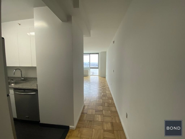 Studio, Hell's Kitchen Rental in NYC for $2,984 - Photo 2