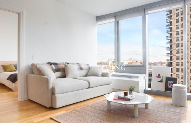 2 Bedrooms, Hell's Kitchen Rental in NYC for $4,762 - Photo 1