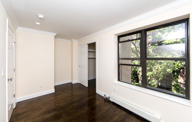 2 Bedrooms, Yorkville Rental in NYC for $3,208 - Photo 2