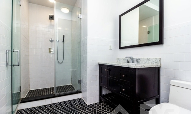 3 Bedrooms, Bushwick Rental in NYC for $4,499 - Photo 2