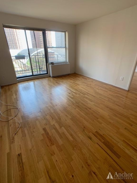 Studio, East Village Rental in NYC for $2,550 - Photo 2