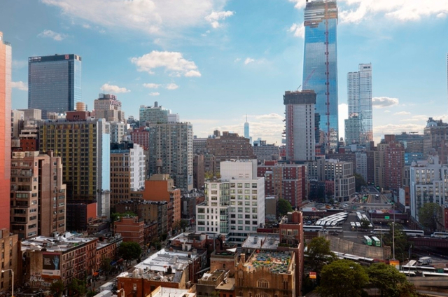 3 Bedrooms, Hell's Kitchen Rental in NYC for $4,970 - Photo 1