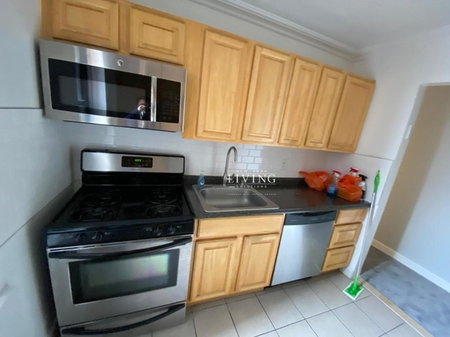 2 Bedrooms, Midwood Rental in NYC for $2,599 - Photo 1
