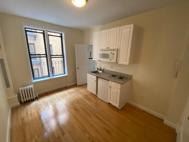 Studio, Hell's Kitchen Rental in NYC for $1,950 - Photo 1