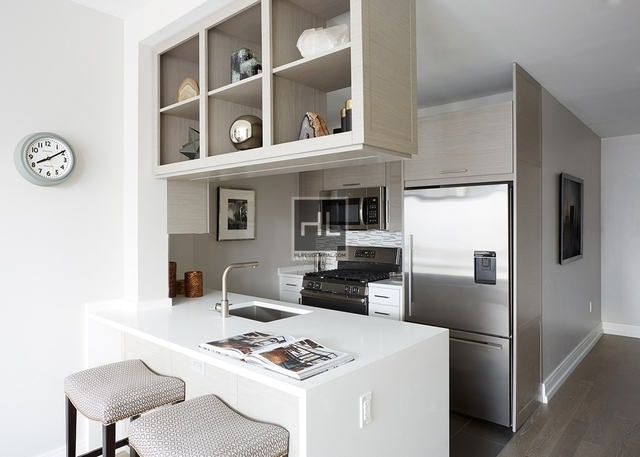 2 Bedrooms, Hell's Kitchen Rental in NYC for $7,054 - Photo 2