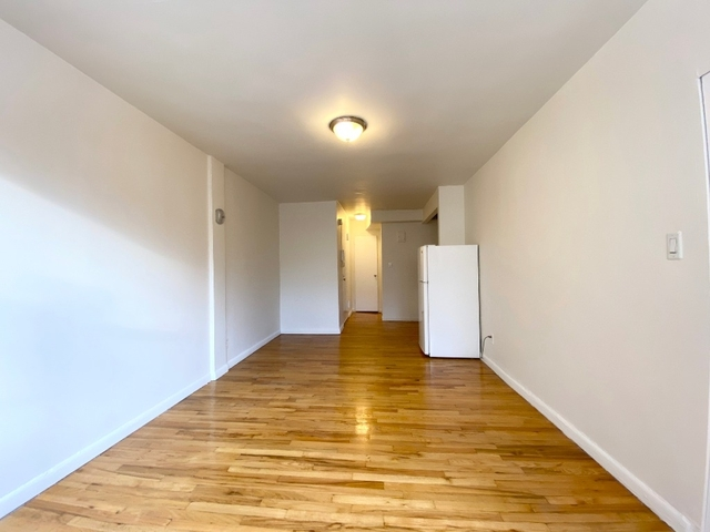 Studio, Chelsea Rental in NYC for $2,245 - Photo 2