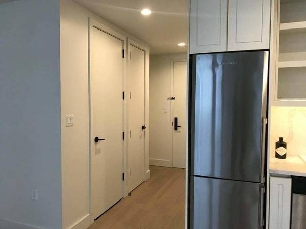1 Bedroom, Greenwood Heights Rental in NYC for $3,148 - Photo 2