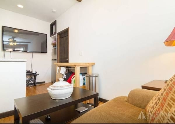 2 Bedrooms, East Village Rental in NYC for $3,250 - Photo 2