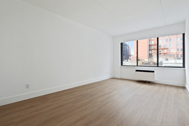 1 Bedroom, Chelsea Rental in NYC for $5,214 - Photo 2