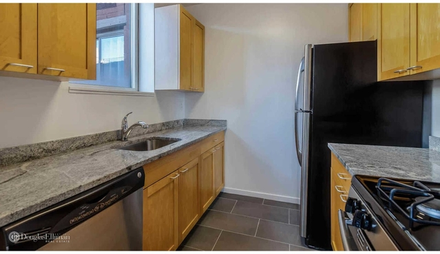 2 Bedrooms, Hell's Kitchen Rental in NYC for $6,590 - Photo 2