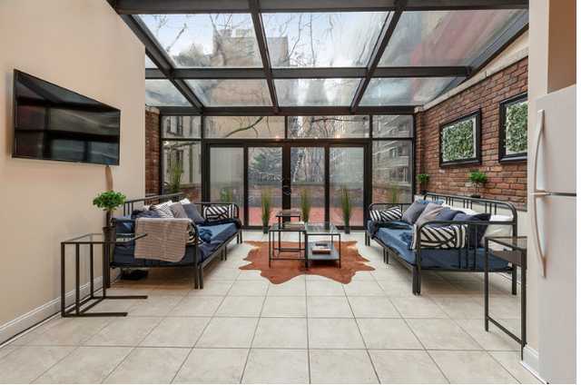 6 Bedrooms, Turtle Bay Rental in NYC for $7,500 - Photo 2