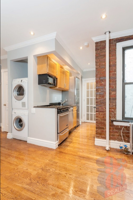 2 Bedrooms, East Village Rental in NYC for $3,835 - Photo 1