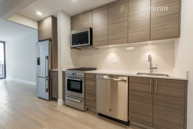 Studio, Theater District Rental in NYC for $2,963 - Photo 1