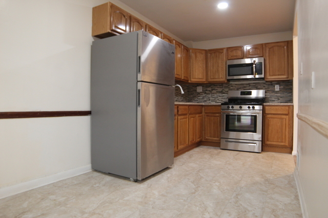 2 Bedrooms, Flatlands Rental in NYC for $1,895 - Photo 1
