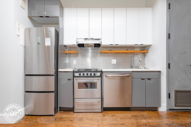 3 Bedrooms, Ridgewood Rental in NYC for $3,350 - Photo 2