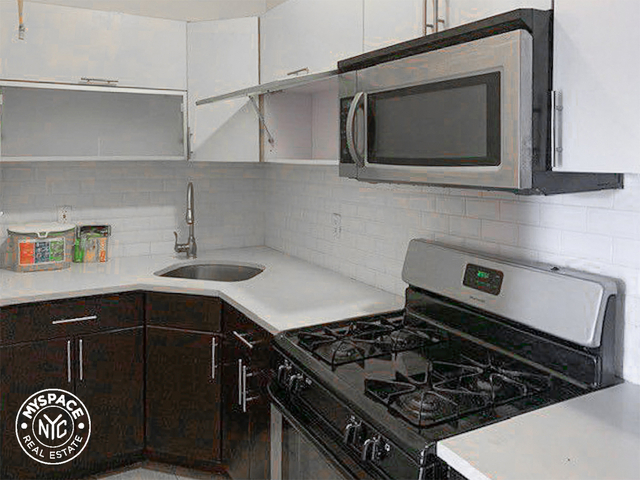 3 Bedrooms, Borough Park Rental in NYC for $2,475 - Photo 1