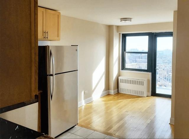 3 Bedrooms, Pelham Parkway Rental in NYC for $2,992 - Photo 1