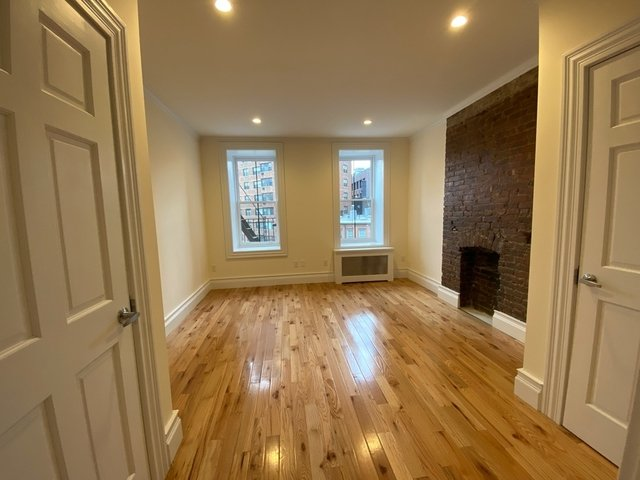 2 Bedrooms, West Village Rental in NYC for $4,500 - Photo 1