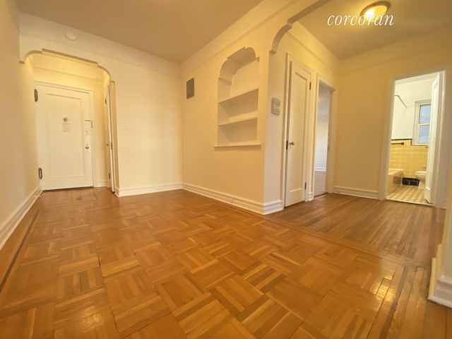 2 Bedrooms, Forest Hills Rental in NYC for $2,250 - Photo 2