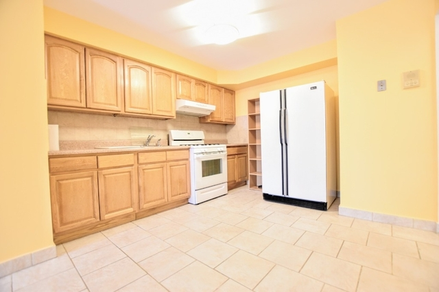2 Bedrooms, Steinway Rental in NYC for $2,300 - Photo 2