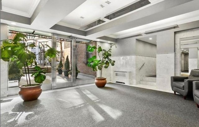 2 Bedrooms, West Village Rental in NYC for $5,195 - Photo 2