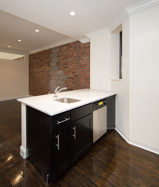 1 Bedroom, Sutton Place Rental in NYC for $3,300 - Photo 2