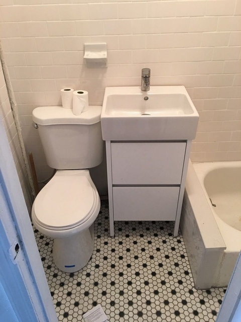 3 Bedrooms, Bedford-Stuyvesant Rental in NYC for $2,385 - Photo 2