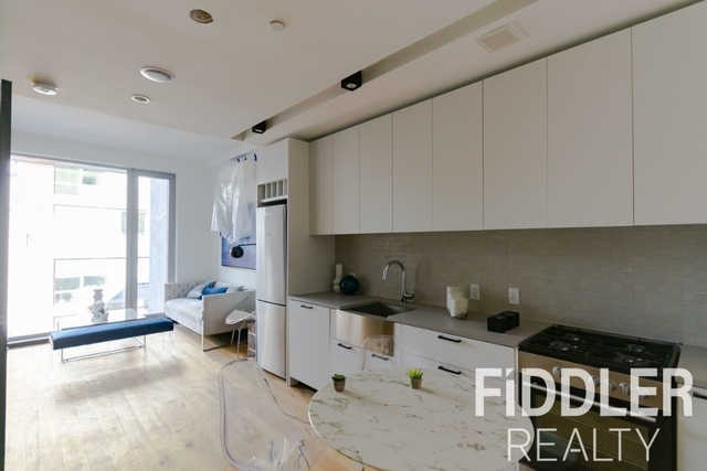 1 Bedroom, Long Island City Rental in NYC for $2,692 - Photo 2