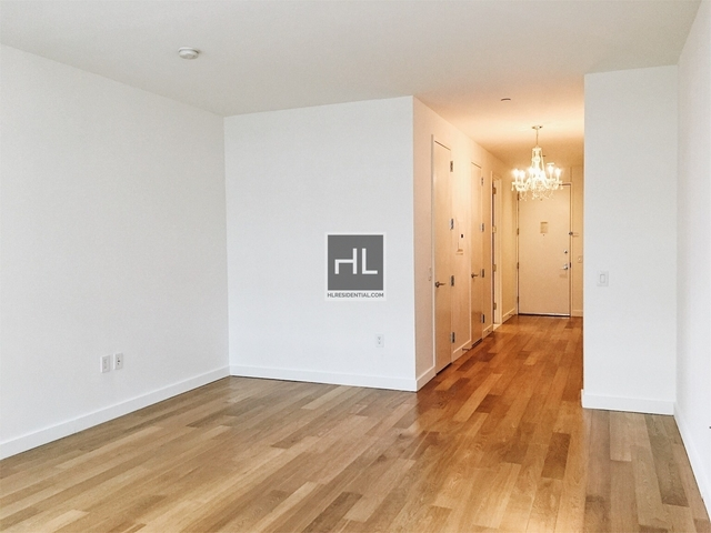 1 Bedroom, Financial District Rental in NYC for $5,361 - Photo 2