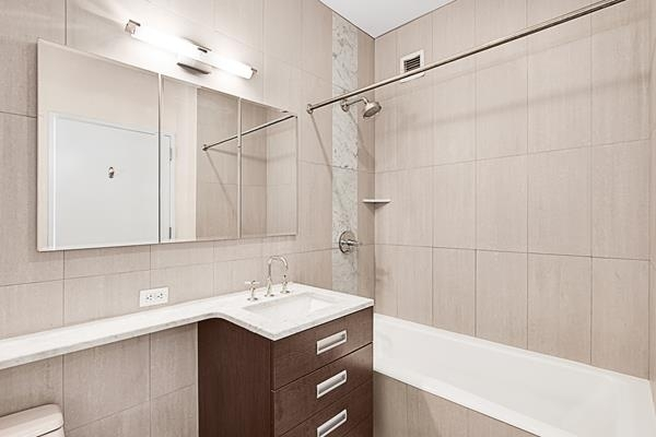 Studio, Lincoln Square Rental in NYC for $3,400 - Photo 2