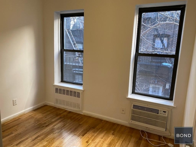 3 Bedrooms, Hell's Kitchen Rental in NYC for $4,075 - Photo 1