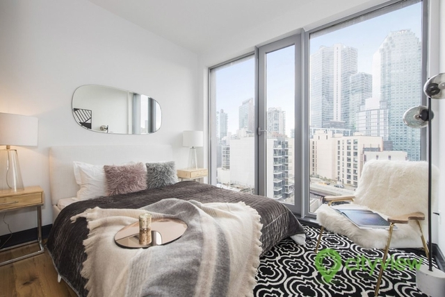 2 Bedrooms, Long Island City Rental in NYC for $4,294 - Photo 2