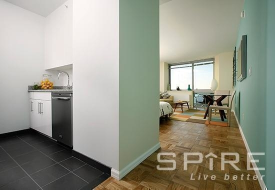 Studio, Hell's Kitchen Rental in NYC for $2,477 - Photo 1