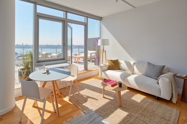 2 Bedrooms, Hell's Kitchen Rental in NYC for $7,104 - Photo 2