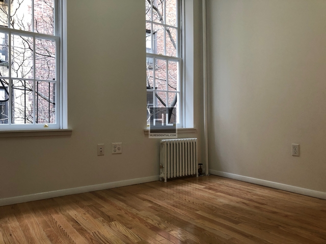 2 Bedrooms, Gramercy Park Rental in NYC for $3,425 - Photo 2