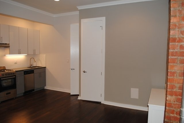 1 Bedroom, Crown Heights Rental in NYC for $2,450 - Photo 2