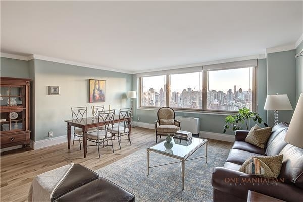 4 Bedrooms, Yorkville Rental in NYC for $14,000 - Photo 2